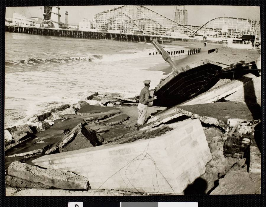 1942 - Scene of the tidal damage at Venice